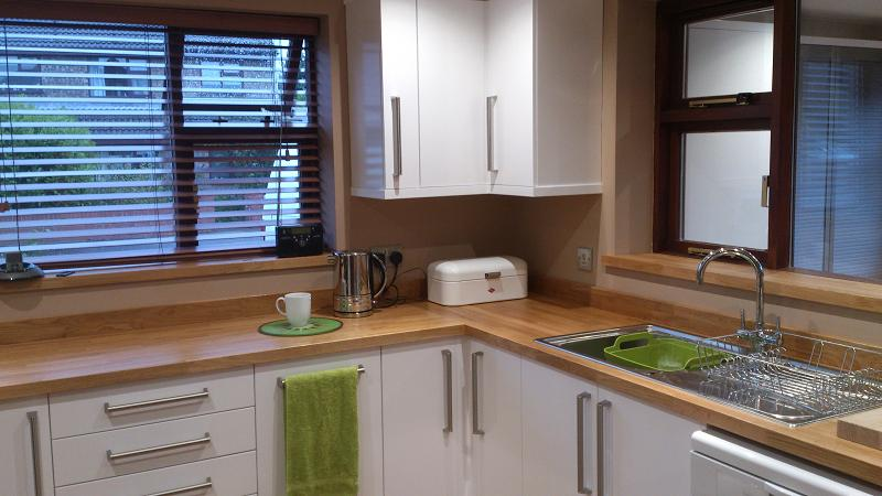 White Gloss Kitchen With White Worktop