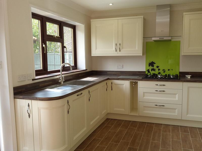 Meadows Kitchens Richmond Ivory Painted Kitchen Fitted In Lowestoft