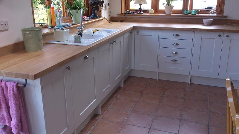 Shaker Wood white kitchen fitted with oak worktops